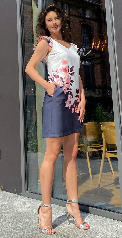 Sukienka mini z motywem...