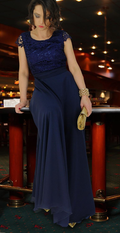 Suknia z gipiurową górą...
